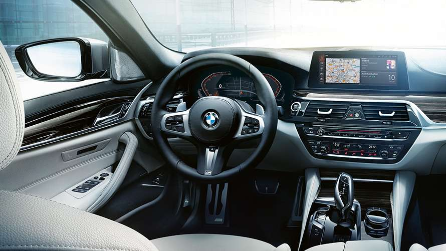 BMW 5 Series central display